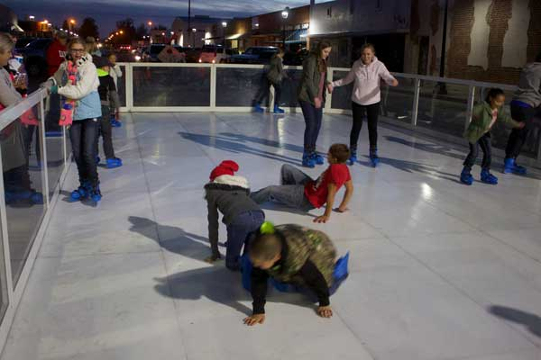 Jon Johnson Photo/Gila Valley Central: The ice rink was as big hit.