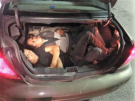 tucson woman arrested for smuggling people in trunk