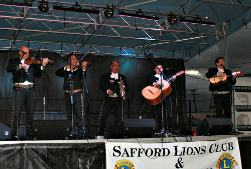 Brooke Curley Photo/Gila Valley Central: The mariachi band from Tucson, Luz de Luna, is an internationally acclaimed band, and performed for the festival goers Friday night.