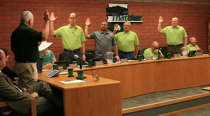 Brooke Curley Photo/Gila Valley Central: The Thatcher Town Council swore in its members during its Monday night meeting.