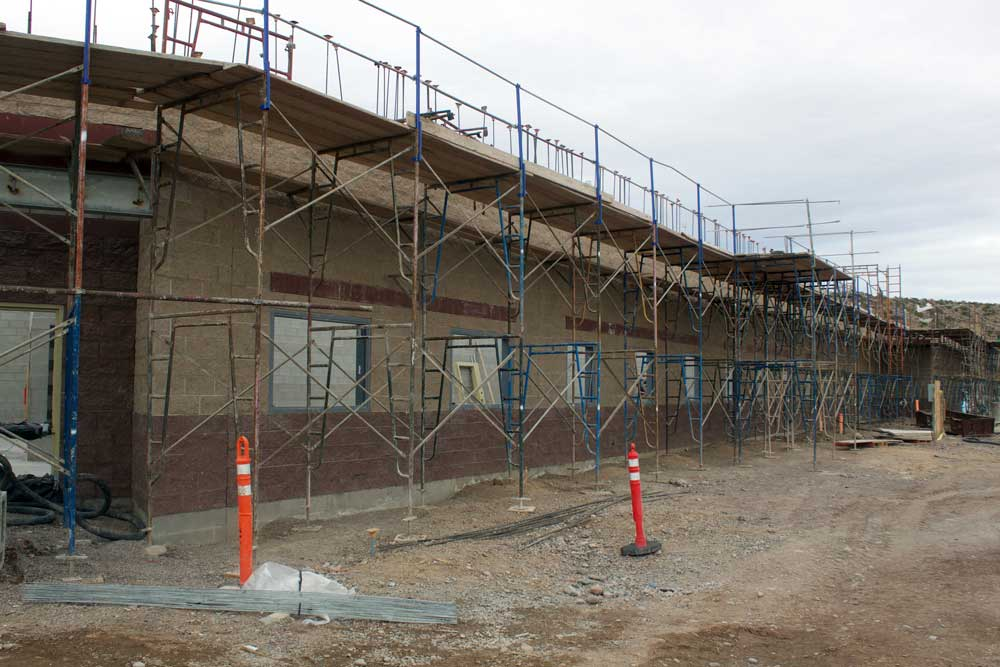 Jon Johnson Photo/Gila Valley Central: The exterior of the Sheriff's Office sports colored, split-face block.